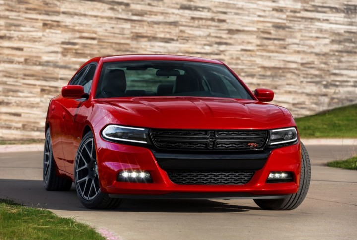 2015-dodge-charger-rt-002-1