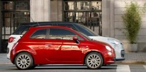 新車FIAT500Lが続々と。。