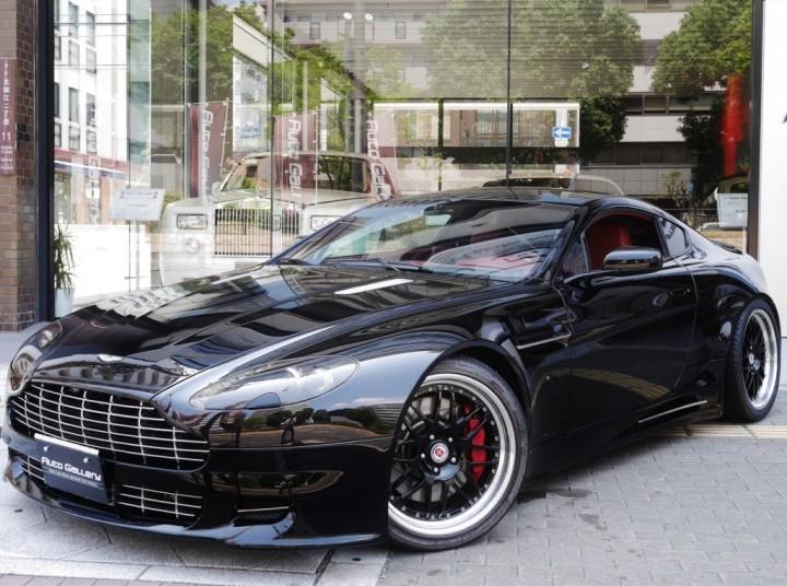 アストンマーティン V8 ヴァンテージ 入庫