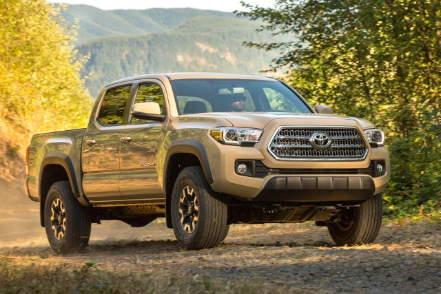 2016-toyota-tacoma-trd-off-road-front-angle-640x427-c