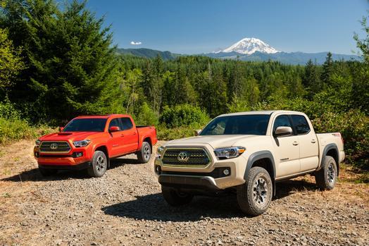 2016_Toyota_Tacoma_TRDSp_01_E86D165F9614C3D5F7917ED1BDF0CFE2ED6242BB_low