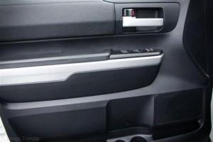 2014年トヨタ(US)タンドラ クルーマックス SR5 4WD入庫致します。